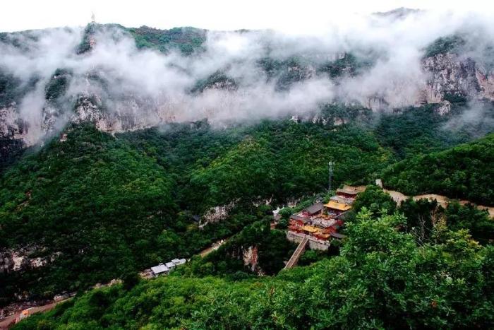 首页 山西好风光 直播景区  天脊山自然风景区地处绵绵太行山腹地