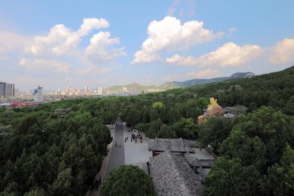 第一泉风景区,千佛山风景名胜区,动物园,泉城公园,植物园,中山公园,森